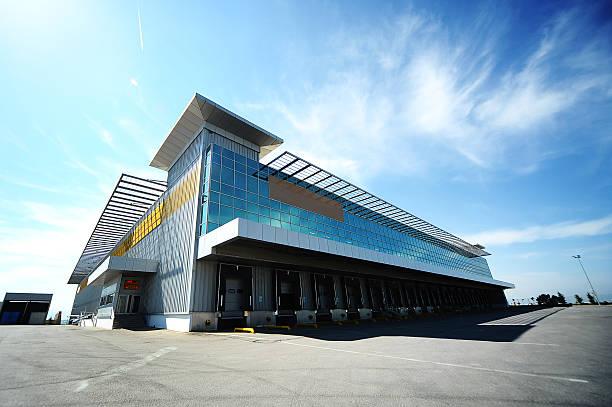 ECommerce Fulfillment Center vs. Warehousing